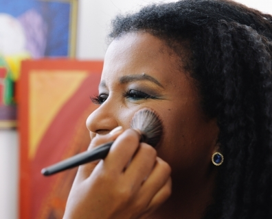 Common Mistakes Women Past 40 Make With Their Makeup (And How To Fix Them)